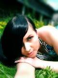 Het meisje met zwart haar Stock Fotografie
