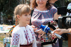 Het meisje in nationale kleren van Moldavië Royalty-vrije Stock Fotografie