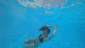 Het Meisje Onder Het Water In Het Pool Sexy Mooie Meisje Met