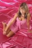 Het meisje in roze kleedt zich royalty-vrije stock afbeeldingen