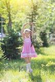 Het meisje schildert een ballerina af royalty-vrije stock fotografie