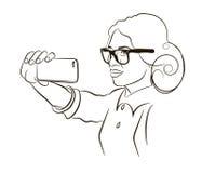Het meisje spreekt door mobiele telefoon Stock Foto