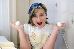 Het meisje treft voorbereidingen Royalty-vrije Stock Foto's