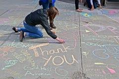Het meisje trekt de graffiti in Boston, de V.S., Stock Foto
