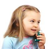 Het meisje van Astmatic Stock Afbeeldingen
