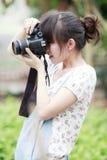 Het meisje van Azië het ontspruiten Stock Foto