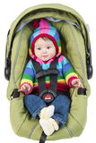 Het meisje van de baby in autozetel royalty-vrije stock afbeeldingen