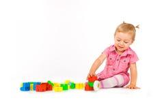 Het meisje van de baby met blokken royalty-vrije stock foto's