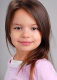 Het meisje van de baby met bruin haar stock fotografie