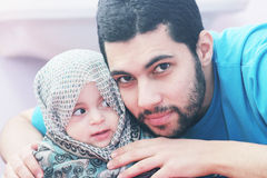 Het Meisje van de baby met haar Vader royalty-vrije stock afbeelding