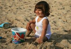 Het meisje van de baby op het strand Royalty-vrije Stock Afbeelding