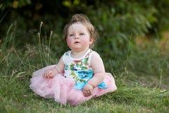 Het meisje van de baby in park Stock Fotografie
