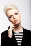 Het meisje van de blonde met kort haar Stock Fotografie