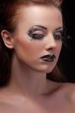 Het portret van de manier van een jonge mooie donkerharige Royalty-vrije Stock Foto