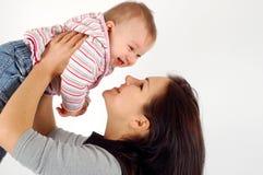 Het meisje van de moeder en van de baby stock fotografie