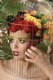 Het meisje van de papegaai Stock Afbeelding