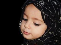 Het meisje van de peuter met sjaal Royalty-vrije Stock Afbeelding