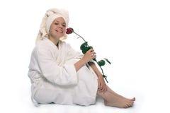 Het meisje van de schoonheid in handdoek na douche Stock Foto's
