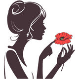 Het meisje van de schoonheid met rode papaver Stock Foto