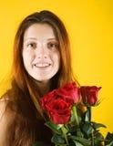 Het meisje van de schoonheid met rozen royalty-vrije stock foto
