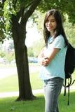 Het meisje van de tiener klaar voor school stock fotografie
