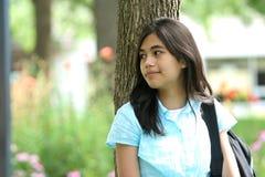 Het meisje van de tiener klaar voor school Stock Afbeeldingen