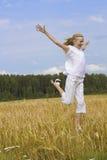 Het meisje van de tiener stelt geluk in werking Royalty-vrije Stock Foto