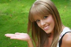Het meisje van de verkoop Stock Fotografie