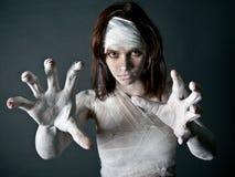 Het meisje van de zombie Stock Afbeeldingen
