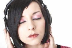 Het meisje van Emo in hoofdtelefoons Stock Foto