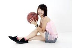 Het meisje van het basketbal. Royalty-vrije Stock Afbeelding