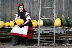 Het meisje van het dorp Stock Foto's
