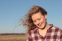 Het Meisje van het land met Blauwe Hemel Royalty-vrije Stock Foto