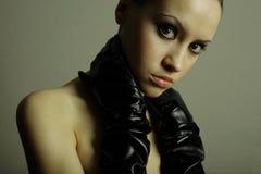 Het meisje van Nudel met de handschoenen royalty-vrije stock foto's