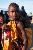 Het meisje van Turkana met kind (Kenia) Stock Foto