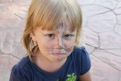 Het meisje voelt droevig Stock Afbeelding