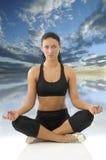 Het meisje in yoga stelt royalty-vrije stock foto
