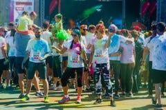 Het melden van het ontspruiten van marathon Colorrun Kiev 2017 Royalty-vrije Stock Afbeelding