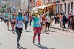 Het melden van het ontspruiten van marathon Colorrun Kiev 2017 Royalty-vrije Stock Afbeeldingen