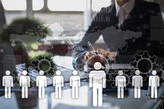 Het menselijke middelbeheer, u, rekrutering, leiding en teambuilding Bedrijfs en technologieconcept stock afbeeldingen