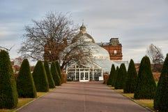 Het mensen` s Paleis in populair Glasgow Green Park wordt gevestigd dient aangezien a, een koffie en een museum dat wintergarden royalty-vrije stock foto