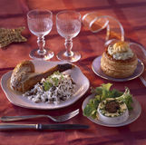Het menu van de partij: Timbale en parelhoen met foiegras Stock Fotografie