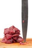 Het messen ruw vlees van de slager royalty-vrije stock foto