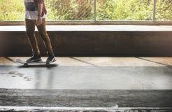 Het met een skateboard rijden van Extreem de Sportenconcept van het Praktijkvrije slag Royalty-vrije Stock Foto