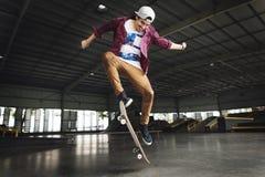 Het met een skateboard rijden van Extreem de Sportenconcept van het Praktijkvrije slag royalty-vrije stock afbeeldingen