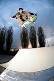 Het met een skateboard rijden van silhouet Royalty-vrije Stock Foto