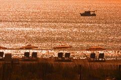 Het met een sleeplijn vissen Boot bij Toevlucht Stock Fotografie