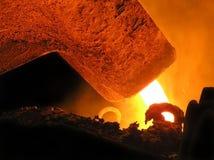 Het metaal giet van de gietlepel Stock Foto