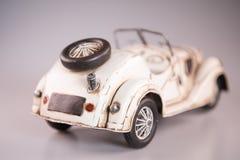 het metaalstuk speelgoed van 1950 witte convertibel, cabriolet Stock Afbeeldingen