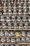 Het metaaltheepotten van Moroccon voor verkoop Stock Foto's